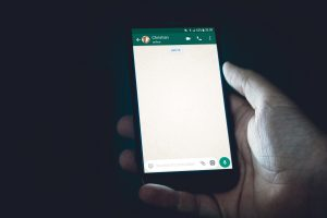 Read more about the article WhatsApp for Android gets Facebook Messenger Rooms integration with the beta update